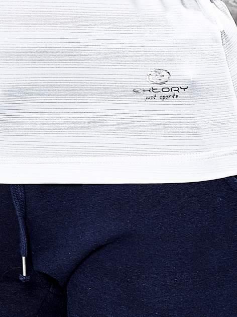 Biały t-shirt sportowy w paseczki                                  zdj.                                  6