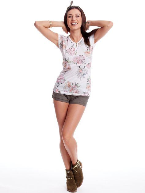 Biały t-shirt w malarskie kwiatowe desenie                              zdj.                              4