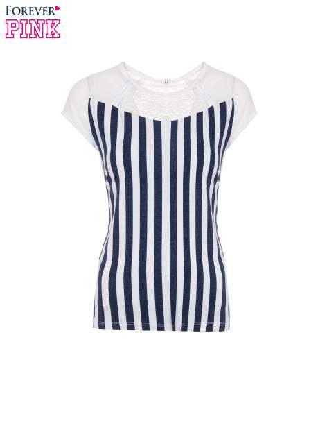 Biały t-shirt w paski z ażurowym karczkiem                                  zdj.                                  10