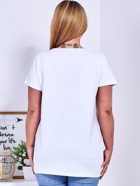 Biały t-shirt z błyszczącą gwiazdą PLUS SIZE                              zdj.                              2