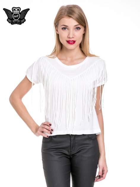Biały t-shirt z frędzlami z przodu                                  zdj.                                  1