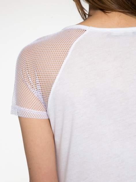 Biały t-shirt z gwiazdą z cekinów                                  zdj.                                  10