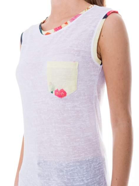 Biały t-shirt z kolorową kieszonką i lamówką                              zdj.                              5