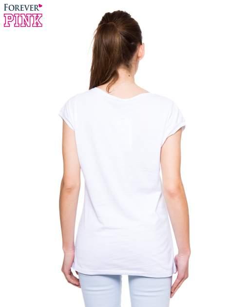 Biały t-shirt z nadrukiem PANI KIEROWNICZKA                                  zdj.                                  4