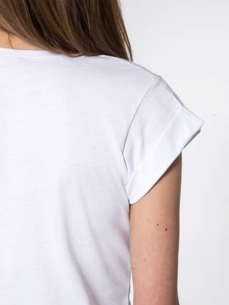 Biały t-shirt z nadrukiem Stich                                  zdj.                                  7