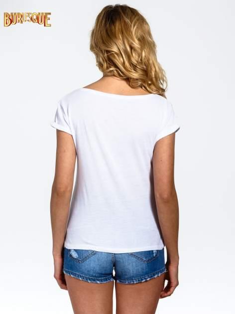 Biały t-shirt z nadrukiem kota i napisem CATS RULE                                  zdj.                                  4
