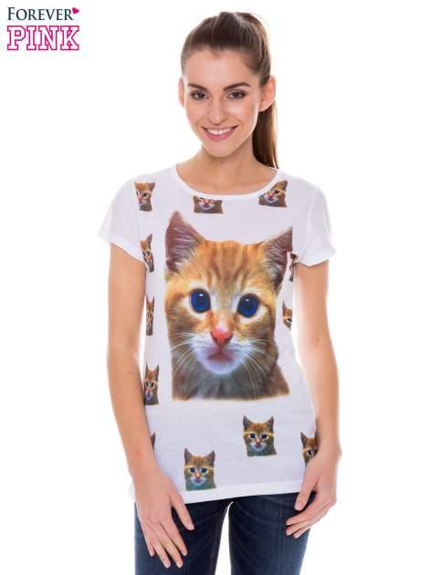 Biały t-shirt z nadrukiem kotka