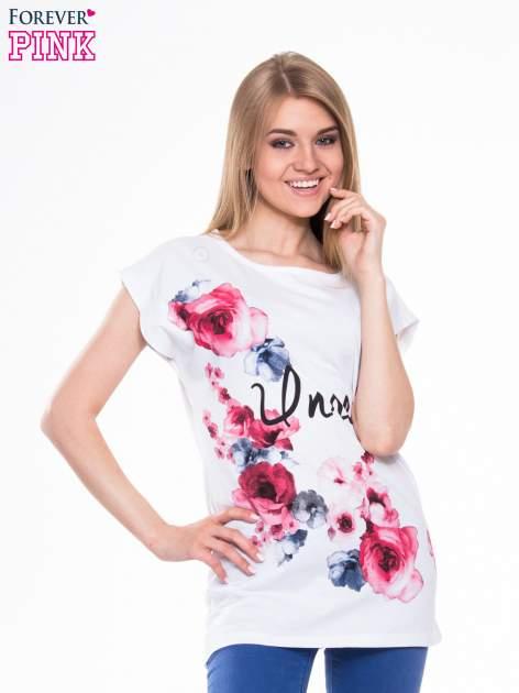 Biały t-shirt z nadrukiem kwiatów i napisem DREAM
