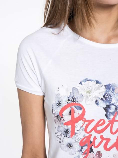 Biały t-shirt z nadrukiem kwiatowym PRETTY GIRL                                  zdj.                                  5