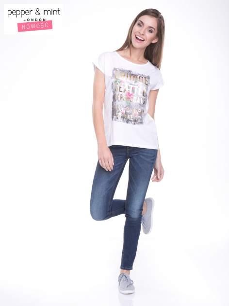 Biały t-shirt z nadrukiem kwiatowym i złotym napisem GRUNGE                                  zdj.                                  5