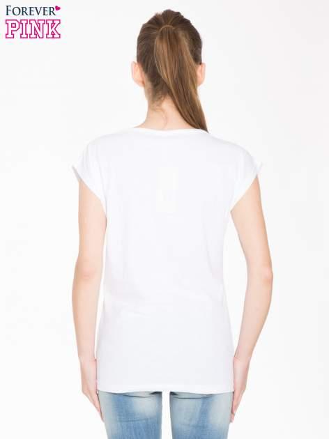 Biały t-shirt z nadrukiem tygrysa                                  zdj.                                  3