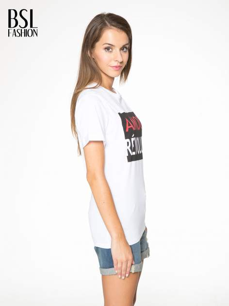Biały  t-shirt z napisem AMOUR RÉVOLUTION                                  zdj.                                  3