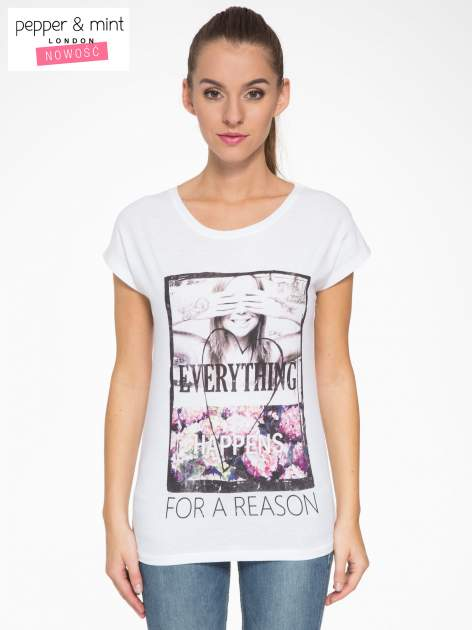 Biały t-shirt z napisem EVERYTHING HAPPENS FOR A REASON                                  zdj.                                  1