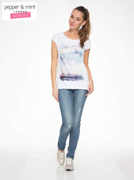 Biały t-shirt z napisem HEAVEN IS A PLACE ON EARTH WITH YOU                                  zdj.                                  5