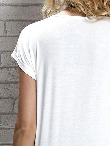 Biały t-shirt z napisem I AM CHOCOHOLIC BABY                                  zdj.                                  5