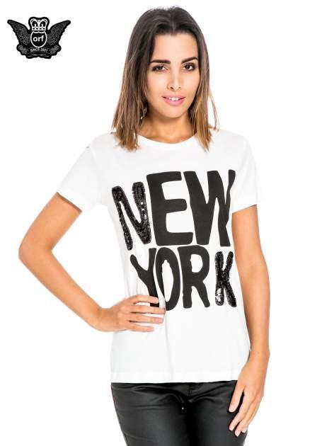 Biały t-shirt z napisem NEW YORK z cekinami                                  zdj.                                  1