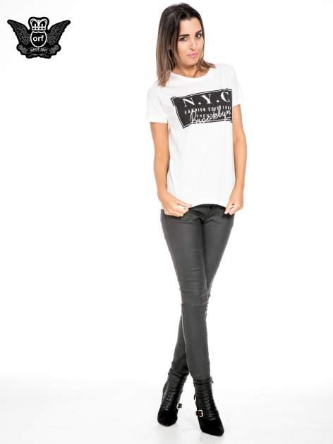 Biały t-shirt z napisem NYC Brooklyn                                  zdj.                                  2
