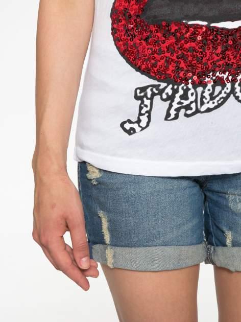 Biały t-shirt z ustami z cekinów i rękawami z siateczki                                  zdj.                                  6