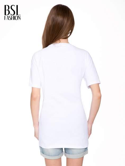 Biały t-shirt ze złotą grafiką                                  zdj.                                  4