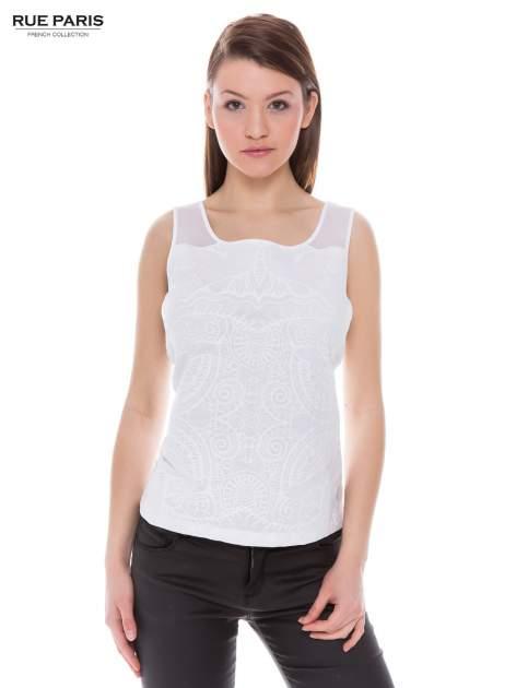 Biały top na grubych ramiączkach z ornamentowym nadrukiem                                  zdj.                                  1
