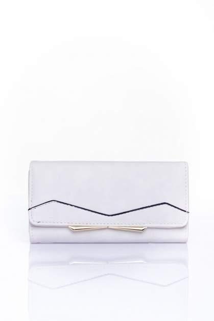 Biały zamszowy portfel z geometrycznym motywem