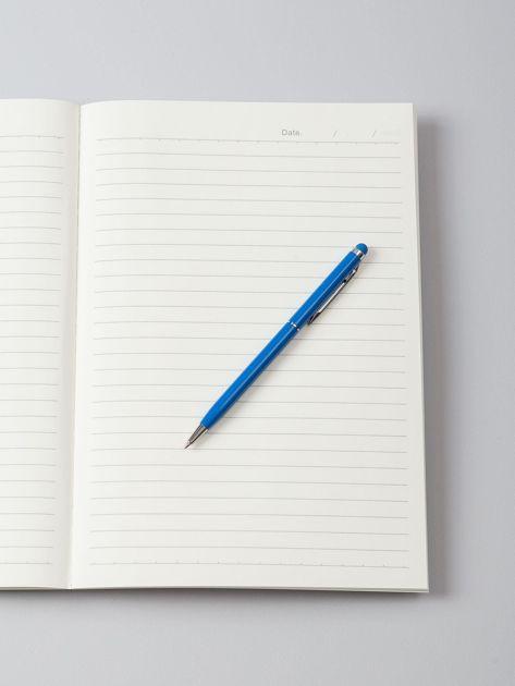 Biały zeszyt w liście                              zdj.                              2