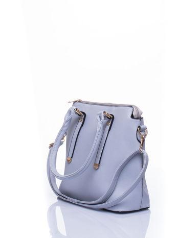 Błękitna torba na ramię z ozdobnymi detalami                                   zdj.                                  4