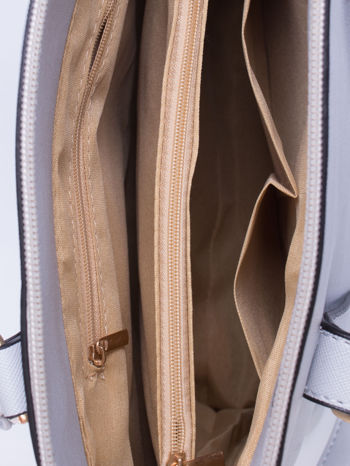 Błękitna torba na ramię z ozdobnymi detalami                                   zdj.                                  5