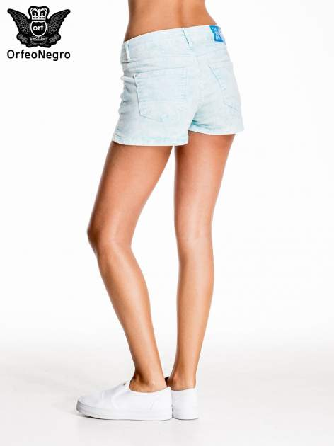 Błękitne dekatyzowane jeansowe szorty                                  zdj.                                  2