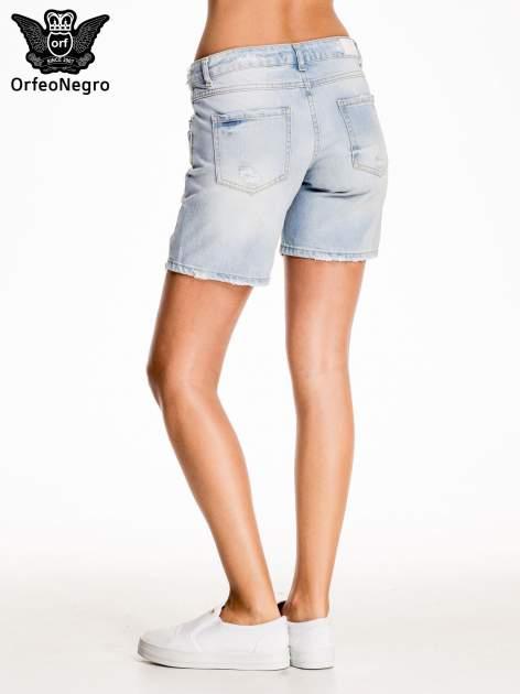 Błękitne jeansowe szorty z przetarciami                                  zdj.                                  4