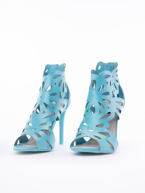Błękitne sandały z ażurową cholewką z satyny                              zdj.                              4