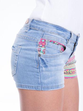 Błękitne szorty jeansowe z azteckim wzorem                                  zdj.                                  8