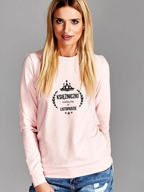 Bluza damska z nadrukiem KSIĘŻNICZKI Z LISTOPADA różowa                              zdj.                              1