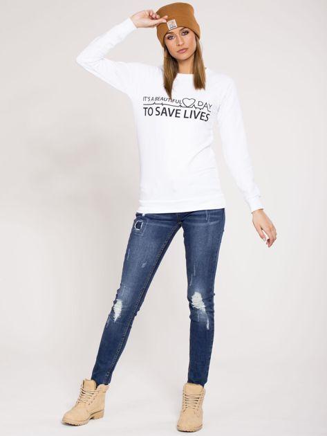 Bluza dresowa biała z nadrukiem                              zdj.                              4