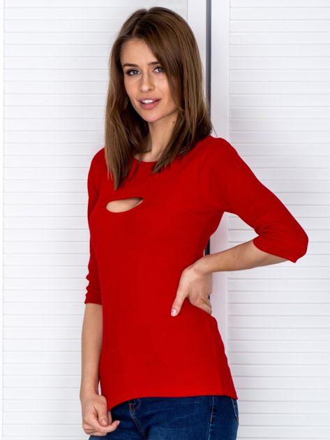 Bluzka czerwona z wycięciem na dekolcie                                  zdj.                                  3