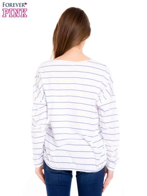 Bluzka w biało-niebieskie paski z gumką u dołu                                  zdj.                                  4