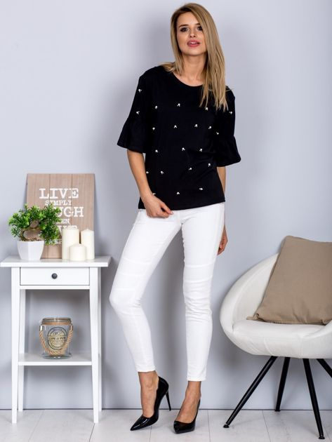 Bluzka z rozszerzanymi rękawami i perełkami czarna                              zdj.                              4