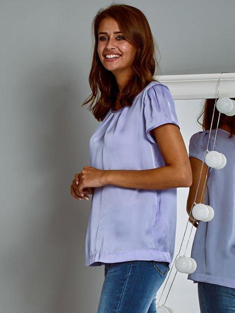 Błyszczący satynowy t-shirt fioletowy                                  zdj.                                  3