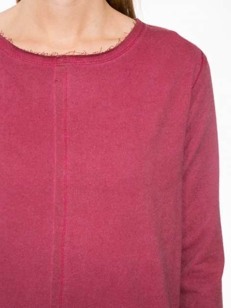 Bordowa bluza z surowym wykończeniem i widocznymi szwami                                  zdj.                                  5