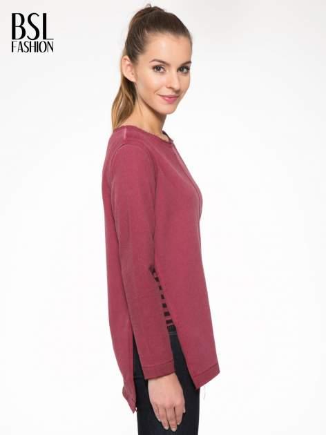 Bordowa bluza z surowym wykończeniem i widocznymi szwami                                  zdj.                                  3