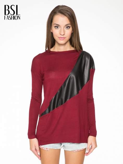 Bordowa bluzka z asymetryczną wstawką ze skóry ekologicznej