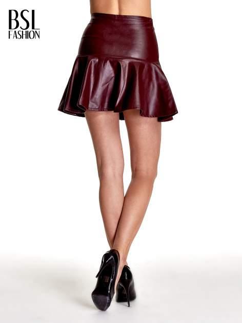 Bordowa skórzana spódnica mini z falbaną                                  zdj.                                  4