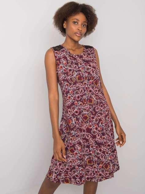 Bordowa sukienka we wzory Sousanna