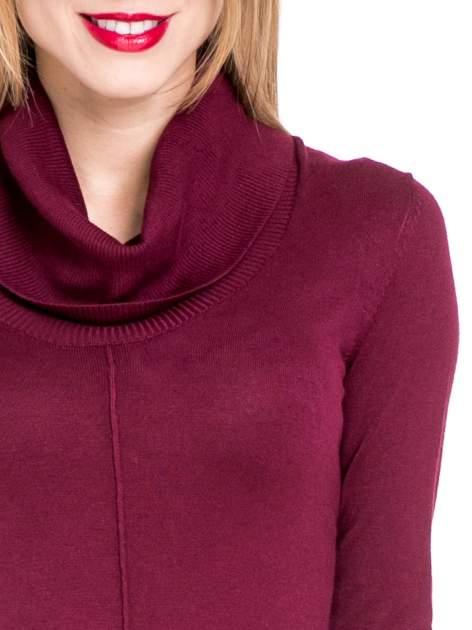Bordowa swetrowa sukienka z golfem                                  zdj.                                  3