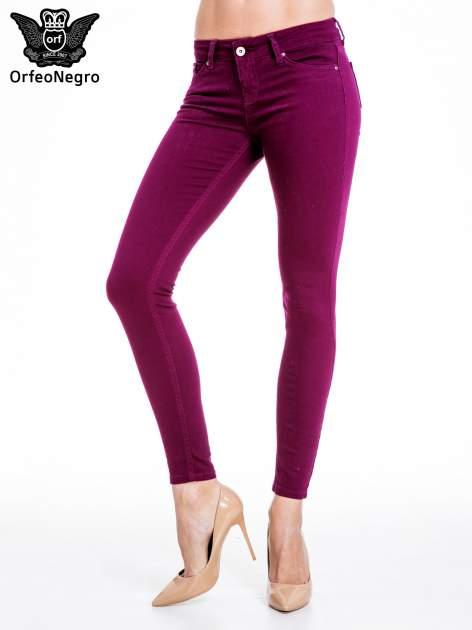 Bordowe spodnie typu skinny z elastycznego materiału                                  zdj.                                  1