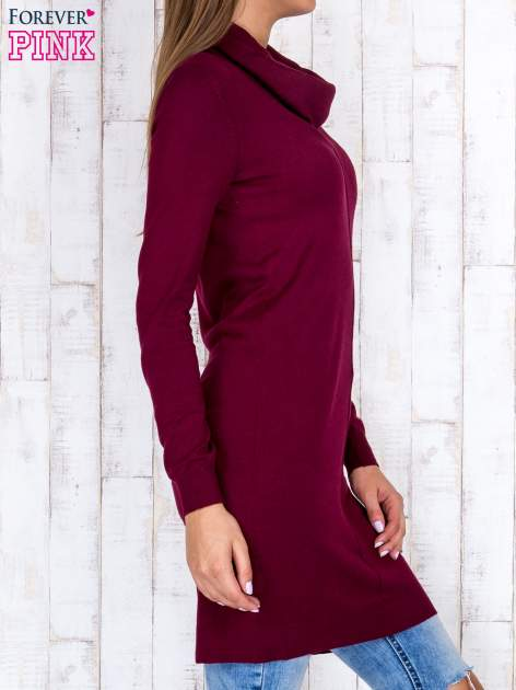 Bordowy długi sweter z golfem i dekoltem w prążki                                  zdj.                                  3