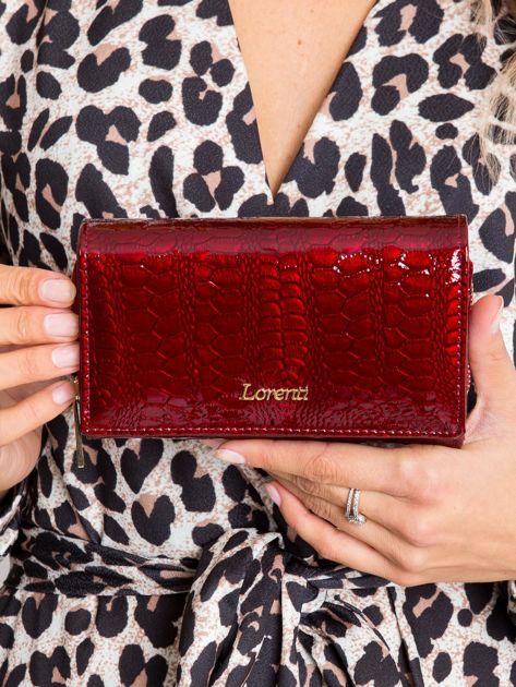 Bordowy lakierowany portfel damski ze skóry