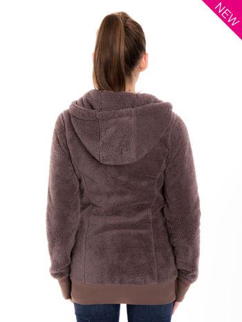 Brązowa bluza futerkowa z kapturem i rękawami z otworem na kciuk                                  zdj.                                  3