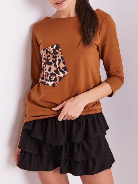 Brązowa bluzka z motywem zwierzęcym                              zdj.                              1