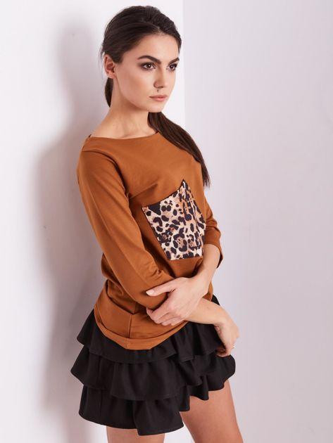 Brązowa bluzka z motywem zwierzęcym                              zdj.                              8